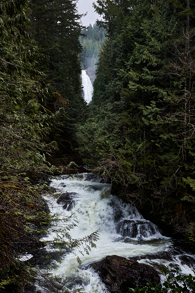 adrian-collier-wallace-falls-choose-mountains-01-170327.png